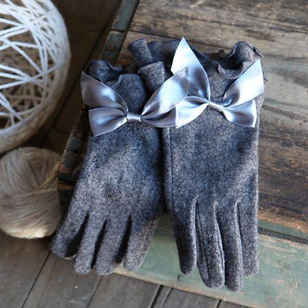 lovely winter gloves