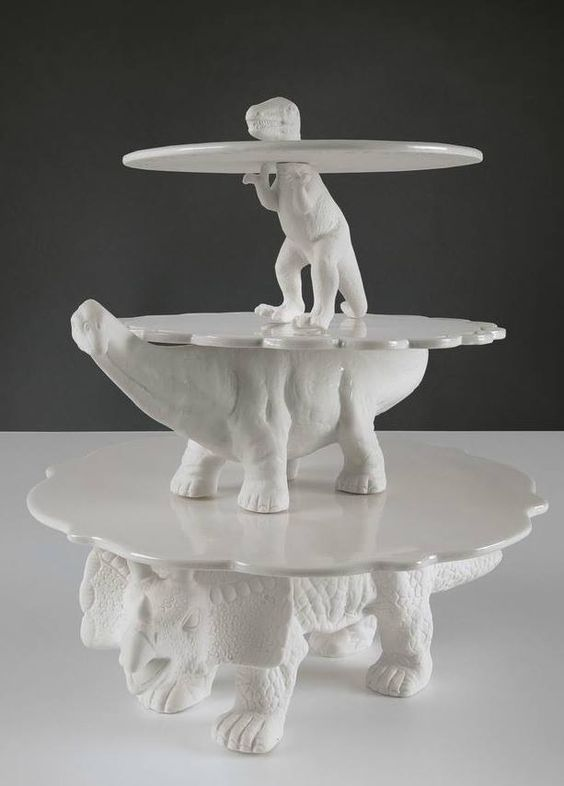 Dinosaur cake stand!
