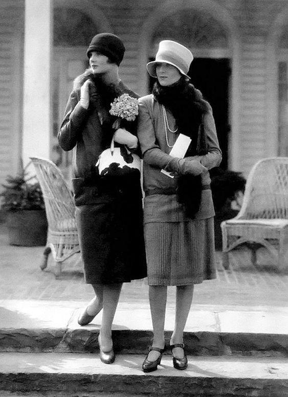 1926. Fashion models in Edward Molyneux and Drecoll. Photo by Edward Steichen