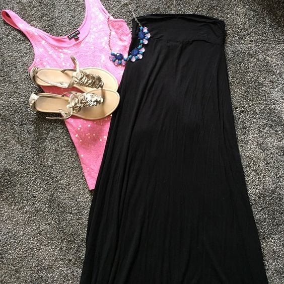 Black maxi skirt NWOT no damage or stains, super stretchy and comfy, has optinal fold over band on top, open to reasonable offers, no trades top in separate listing Wet Seal Skirts Maxi