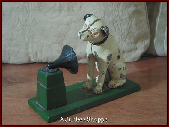RCA VICTOR Gramophone Logo Nipper Dog His Masters Voice Cast Iron Coin Bank Junk 976  http://ajunkeeshoppe.blogspot.com/