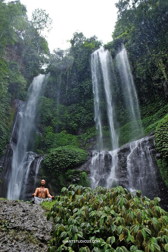.@FujifilmXLive writing a book about my travels with #XT1 as we speak... @FujifilmEU #mindfulness #contemplative trip #bali #sekumpul waterfalls www.omunitybali.com