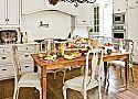 12 Simply Beautiful Farm Tables