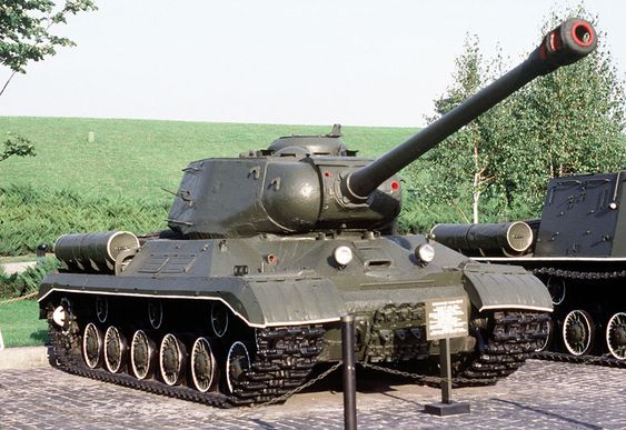 Picture of the IS-2 / JS-2 (Josef Stalin)