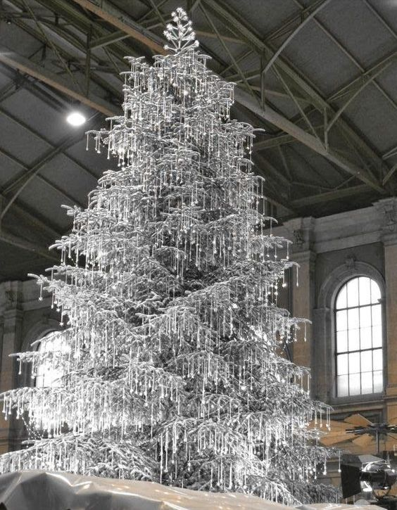 #Silver #Diamonds #Christmas #Deco #Tree  #Design #Fancy #Luxury #Glitter #Inspiration #Holidays