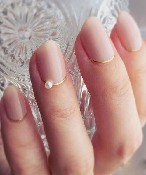 Stylish Jewel On Golden Accent Wedding Nail Art Designs