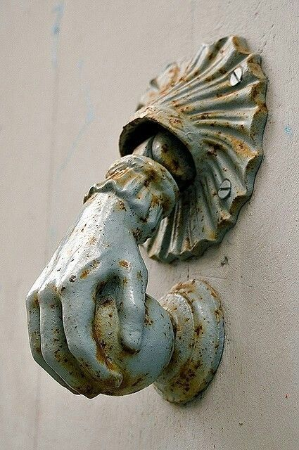 Reminiscent of my grandmother's knocker on her front door. Oh, to hear that knocker again and see all the faces that came through her door.