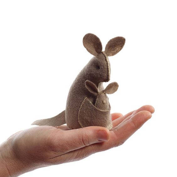 Kangaroo toy craft kit by Cynthia Treen #hellogreatly