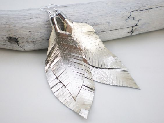 Federohrringe aus Leder in gold- silber