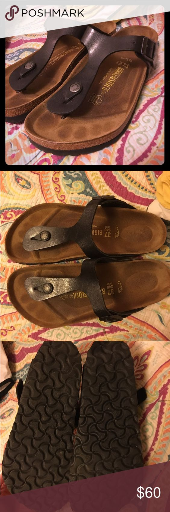 Black Birkenstock Gizeh Black Birkenstock Gizeh sandals. You can see some wear on the inside, but the outer portion is in great condition!! Birkenstock Shoes Sandals