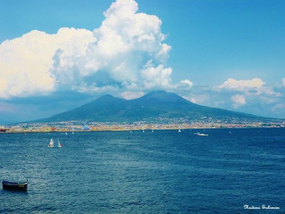 #Napoles Italy