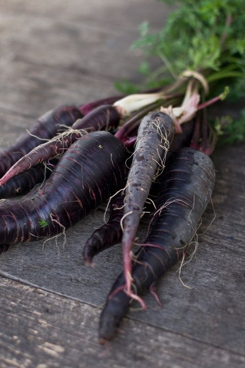 will have purple carrot and celery crudites in mason jars/glasses w figs on board: