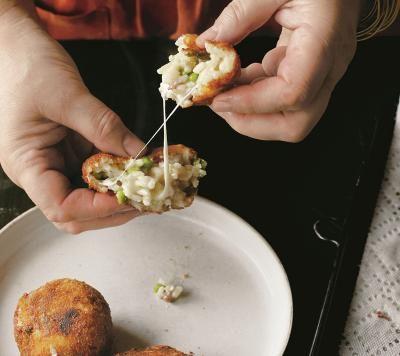 Arancini--classic Italian stuffed rice balls | Antipasti ...