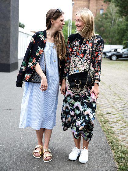 Cooler Partnerlook:Lillilouise (rechts) und Paulina wissen wie's geht. Lilli trägt ein Kleid von H