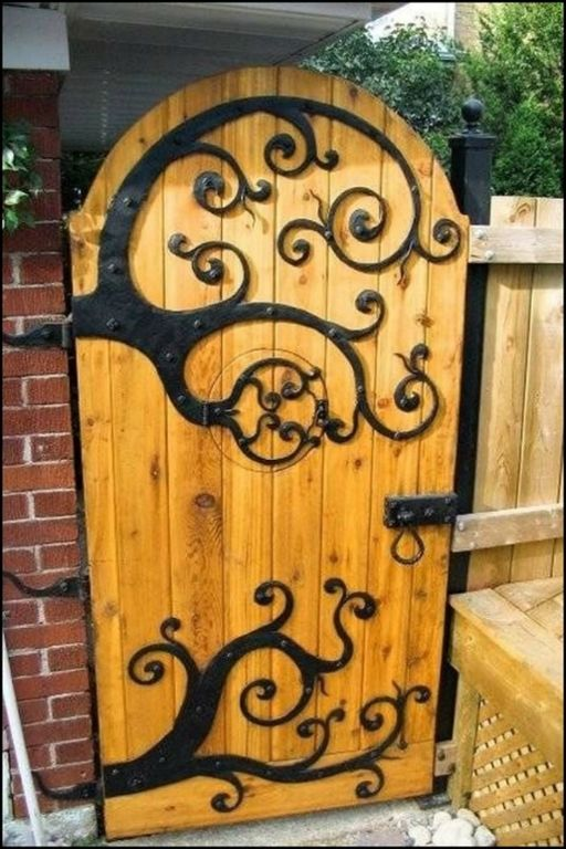 Have a look at these 27 enchanting garden gates you'll want to add to your garden!