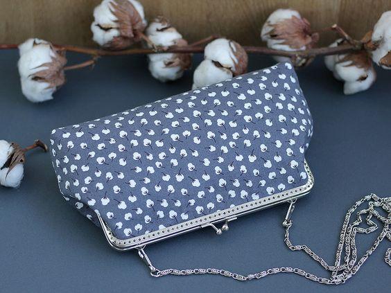 Messengerbags - Umhängetasche Cliptasche Baumwollblüten - ein Designerstück von LovekaHandmade bei DaWanda