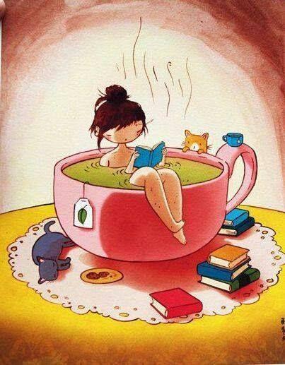 Sumergida en la lectura y en la taza de te
