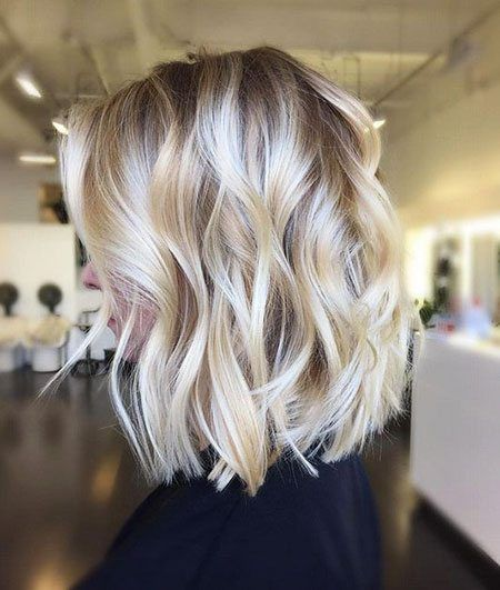 19 Bellissime Acconciature Ondulate Con Frangia Acconciature Stili Di Capelli Haarfarbe Blond Coole Frisuren Balayage Kurze Haare