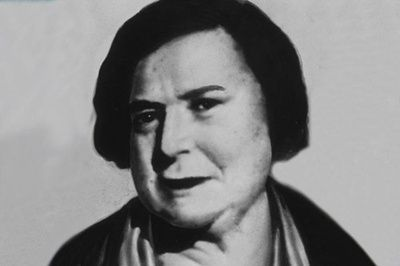 One of the most unusual, yet famous thieves of all time is Ma Barker. Not only was Ma a fierce criminal herself, but she was the mother of a whole bunch of bandits who formed the Barker gang. At least that is what FBI wants us to believe. Some other sources believe that she was only an old lady who knew about her sons' criminal robberies but never interfered.