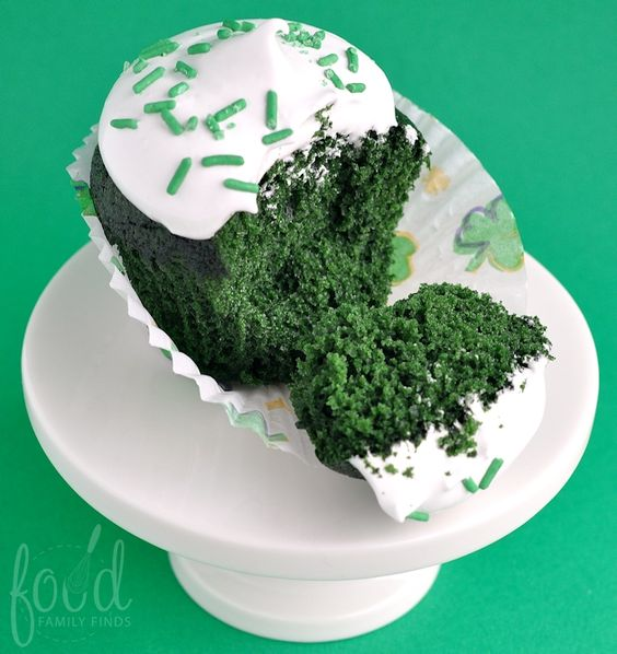 Green Velvet Cupcakes Recipe with Fluffy White Icing for St. Patricks Day vis @FoodFamilyFinds www.FoodFamilyFinds.com