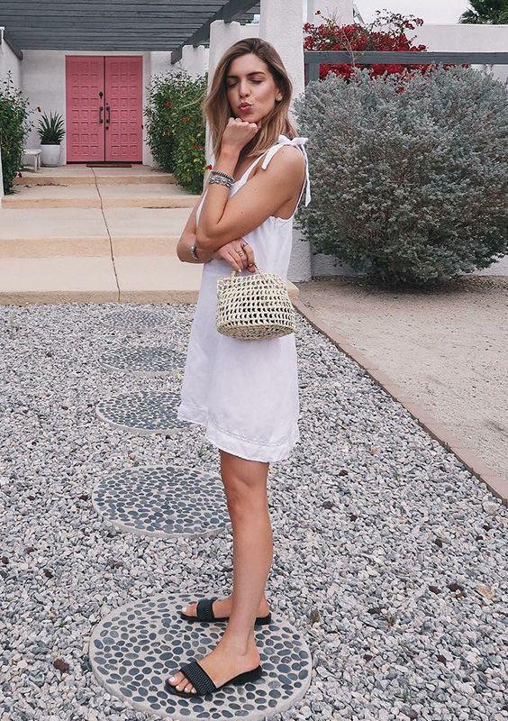 Rasteirinha com vestido curto