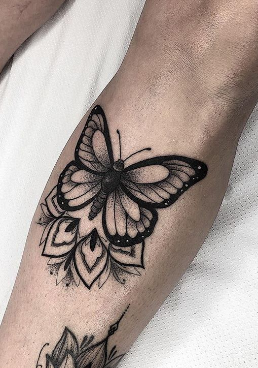 Butterfly Tattoo Butterfly Butterflytattoosleeve Tattoo In 2020 Tattoo Hals Mutter Erde Tattoo Tattoo Ideen