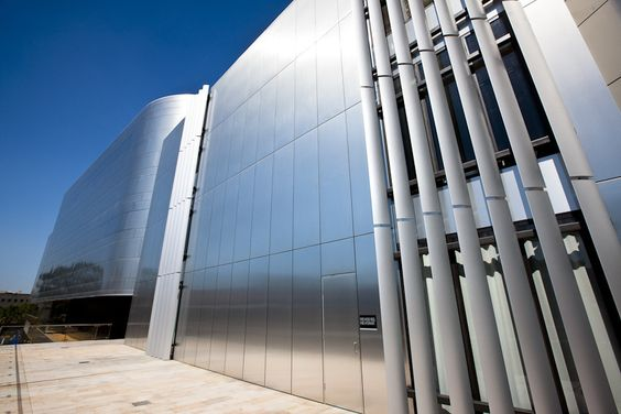 Striking Look Of The Outside Of Massive Modern Council Building Design
