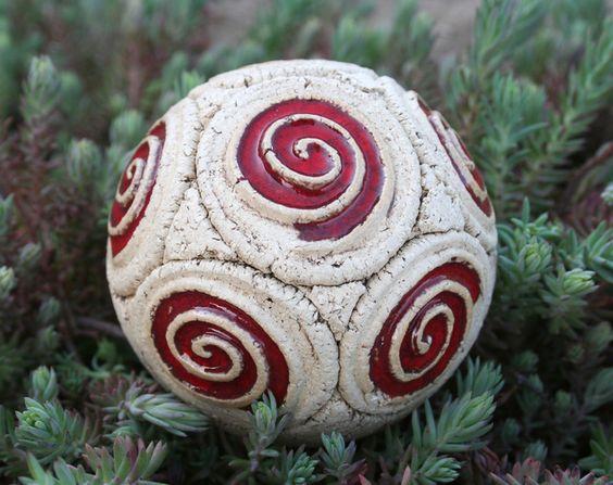 Gartenweg Keramik : Schneckenkugel