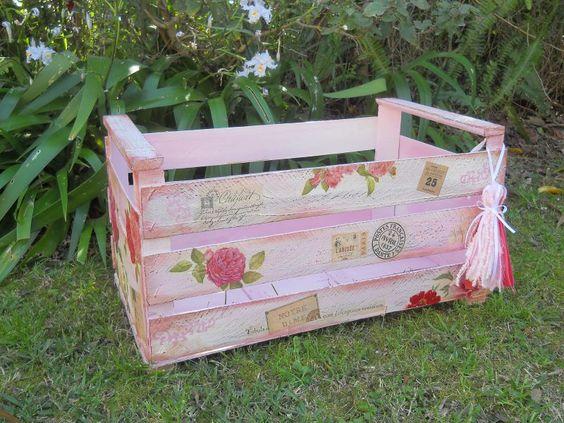 Proyecto paso a paso art stica monitor caj n reciclado - Cajas de fresas decoradas paso a paso ...