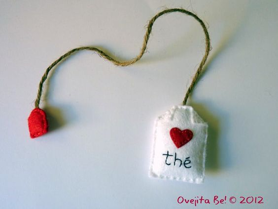 Tea bag felt bookmark In English with Little heart by ovejitabe, €6.00