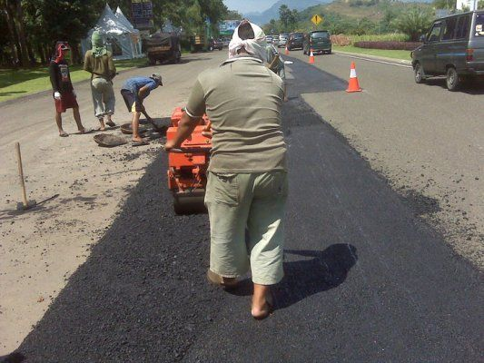 Jasa Perbaikan Aspal Untuk Jalan Berlubang