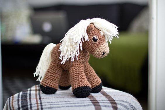 Sally the amigurumi pony PATTERN / Horse Pattern / by Linnah, $4.00