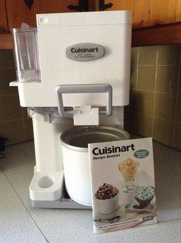 CUISINART ICE-45 MIX IT IN SOFT SERVE 1-1/2-QUART ICE-CREAM MAKER WHITE SPRINKLE