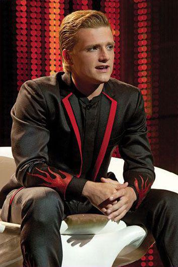 Lovely Peeta in his interview. Isn't that suit amazing? (God bless Cinna!)