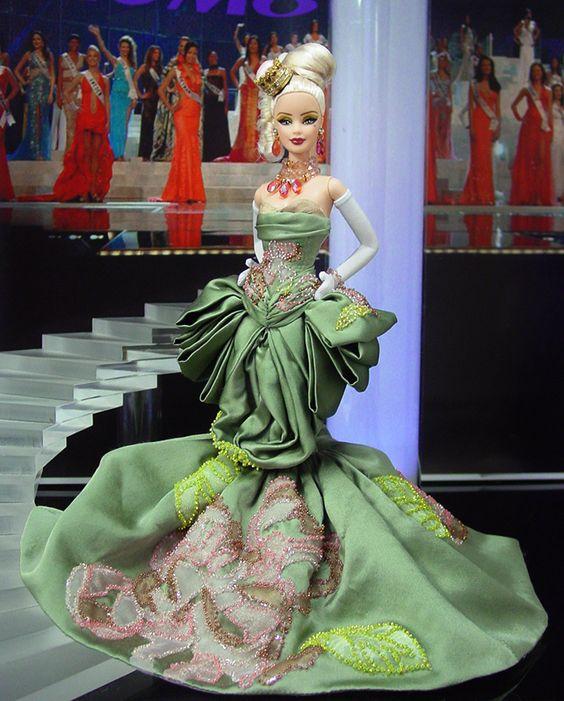 Miss Mónaco 2013/14 – Vestido inspirado del diseñador John Galliano para Christian Dior Alta Costura Otoño 2004: