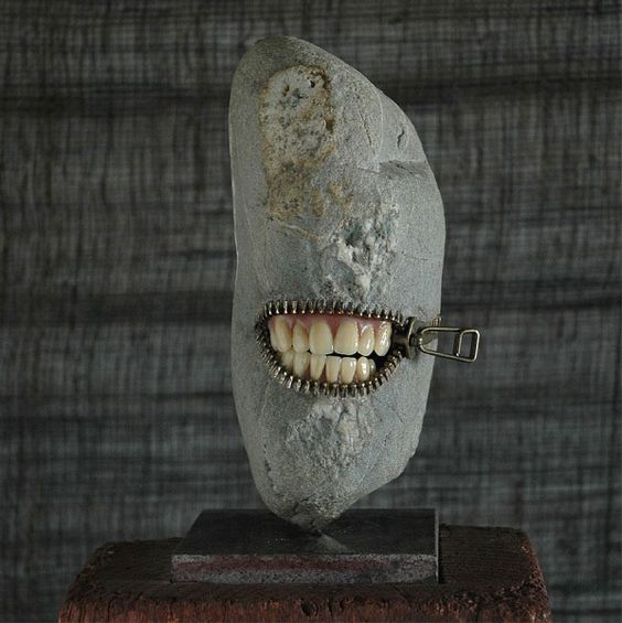 Watch out. I bite. ~ETS (The freakin' cool, surrealist rock sculptures of Hirotoshi Ito. - Le surreali sculture di pietra di Hirotoshi Ito - Focus.it)