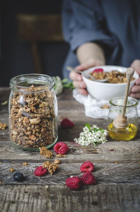 Chocolate Granola with Coconut: By Fotogrammi