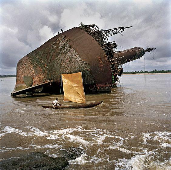 Yossi Milo Gallery - Exhibitions - Tim Hetherington (April 12 - May 19, 2012)