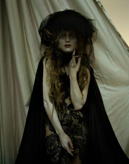 Photographer: Tim Walker; Model: Guinevere Van Seenus; Publication: Vogue Italia. (© 2011)
