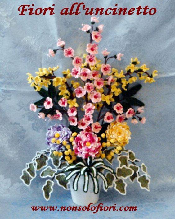 Composizione di fiori alluncinetto - www.nonsolofiori.com  Fiori all