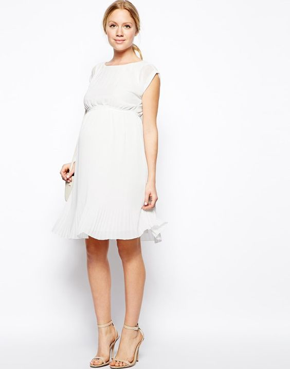 Pin for Later: 9 Gorgeous Gowns For the Pregnant Bridesmaid Classy and Chic Also available in navy, this pleated Mamalicious dress ($95) highlights a woman's beautiful baby bump.