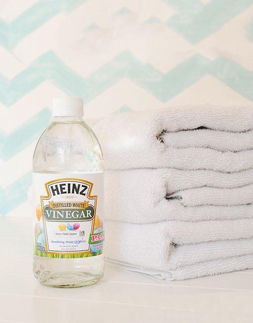 Cómo Eliminar El Mal Olor De Las Toallas Trucos De Limpieza Limpieza De Ducha Limpieza De Inodoros