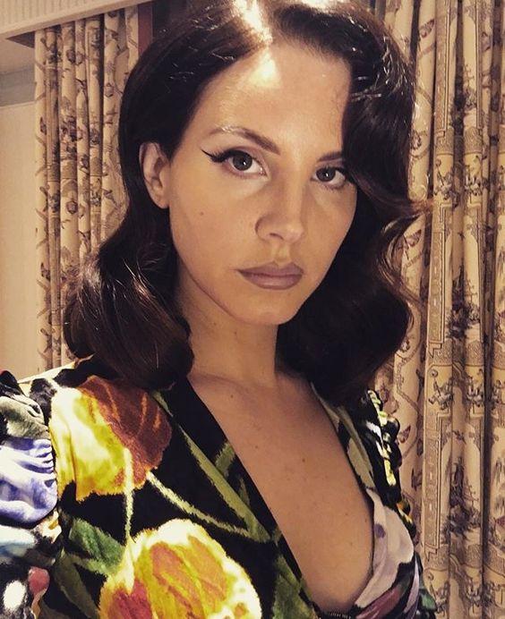 Lana del rey mtv Gucci dress