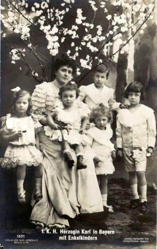 Maria Josè con i nipoti
