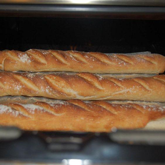 """Ricetta BAGUETTE FRANCESE (dedicata a Panina: l'unica, vera """"Baguette"""" del sito!) da nicole77 - Ricetta della categoria Prodotti da forno salati"""