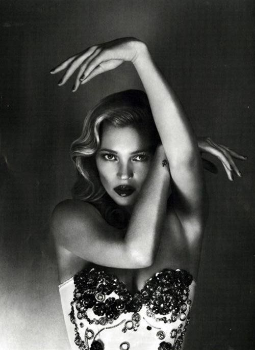 Kate....... Vogue UK 2012: Marcus Piggott, Black White, June 2012, Katemoss, Mert Marcus, Fashion Photography, Kate Moss, Mert Alas