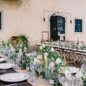 wedding, Settembre olivo eucalipto, bianchi fiori di lisiantus e color crema . tenuta di Cinciano  country- chic