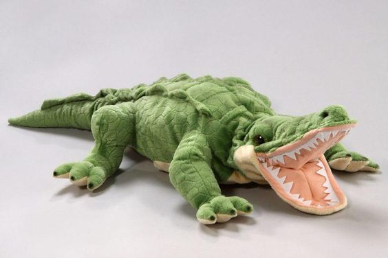 how to make alligator hand puppet