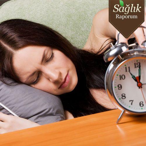 Papatya çayı: Yatağa huzurlu bir şekilde gitmenizi sağlar. Sakinleştirici etkisi vardır. Sinirli ve kaygılı bünyenin ihtiyacı olan tek şeydir. Bir tatlı ka..