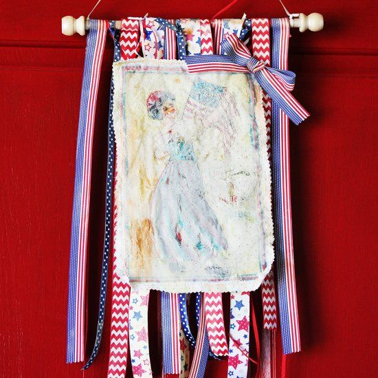 Create a tattered patriotic banner with free motion stitching and ribbons. Super easy and fun!